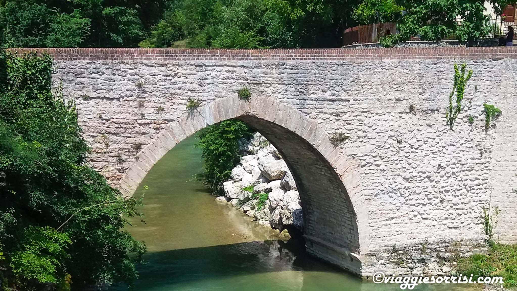 ponte romanico genga