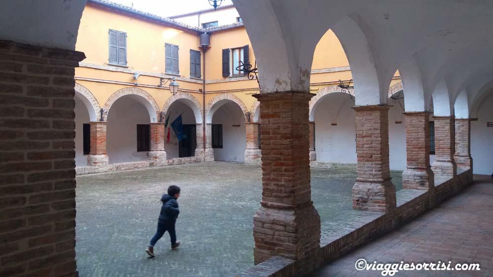 chiostro-di-san-francesco-mondavio
