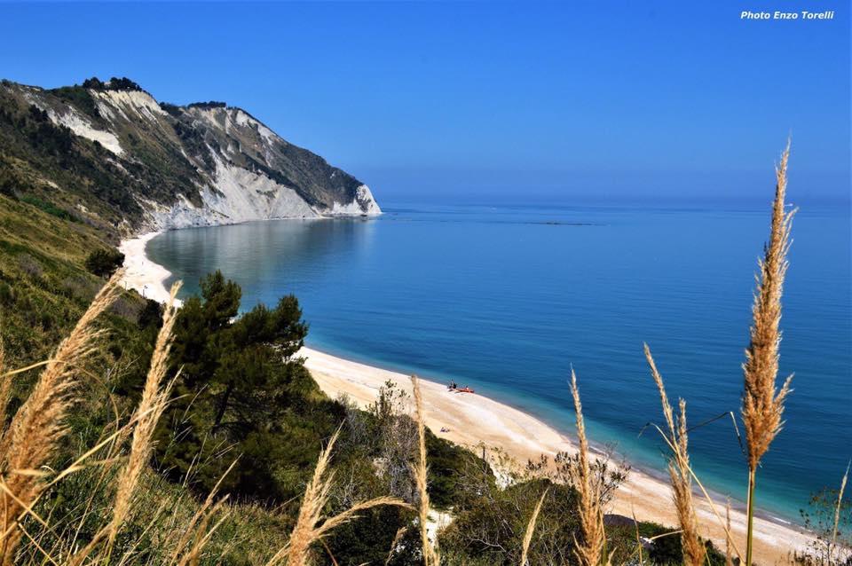 La spiaggia di Mezzavalle