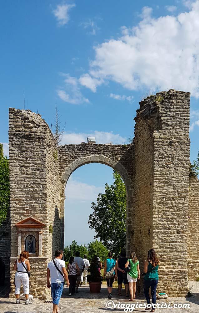La porta Nord di Smerillo detta anche il Cassero