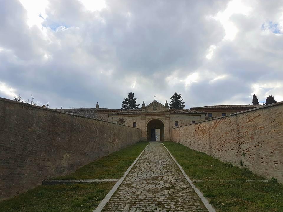 ingresso all'eremo di monte giove fano