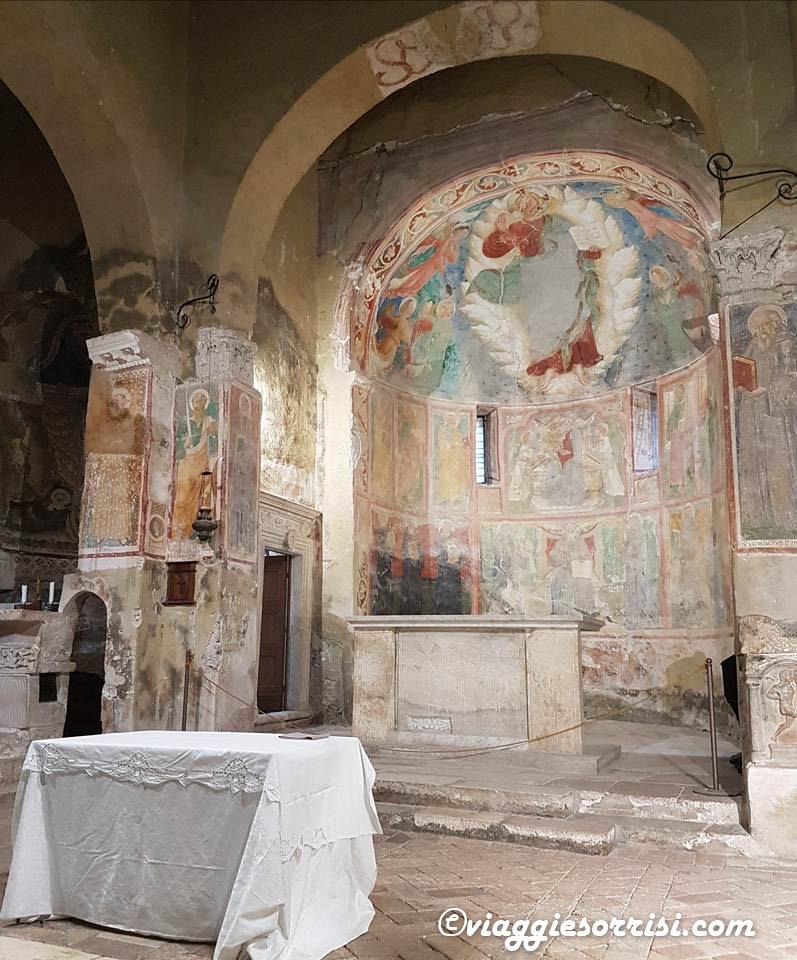 Chiesa Abbazia san pietro in valle vicino cascata delle Marmore