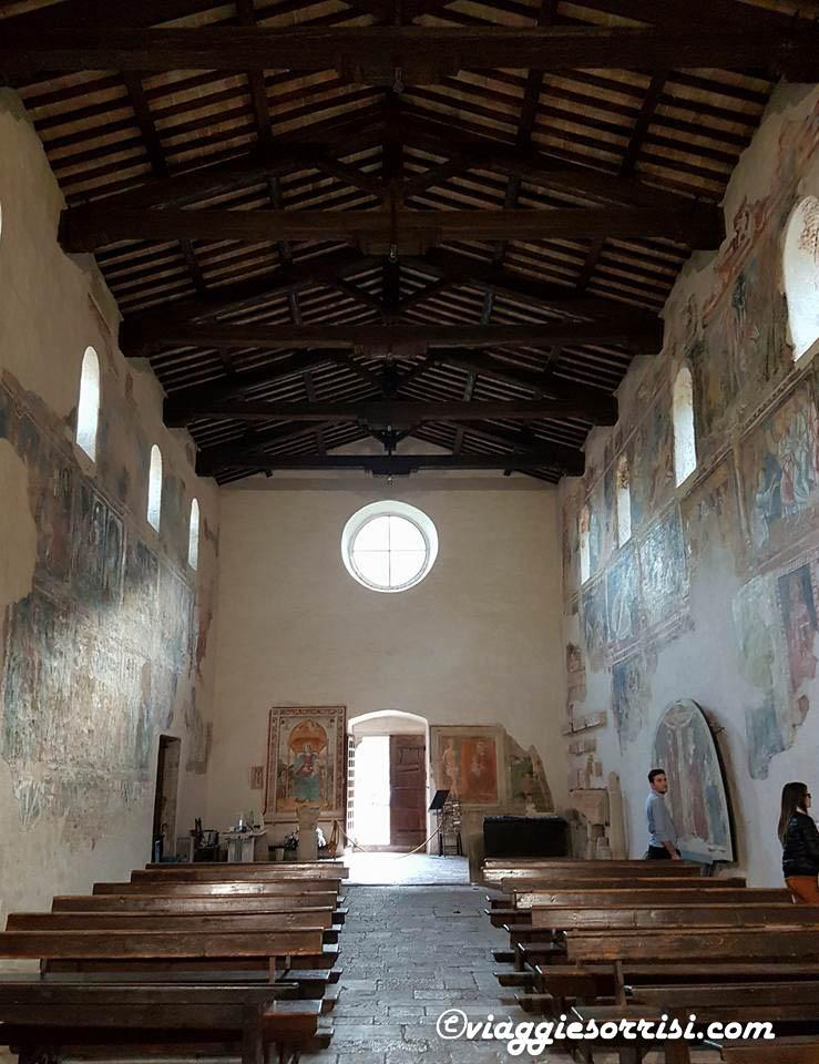Interno della Chiesa Abbaziale San Pietro in Valle