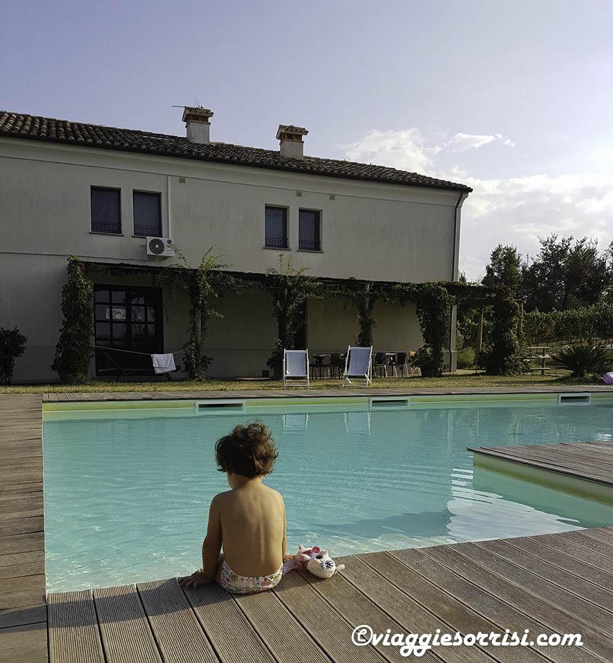 agriturismo terracruda piscina