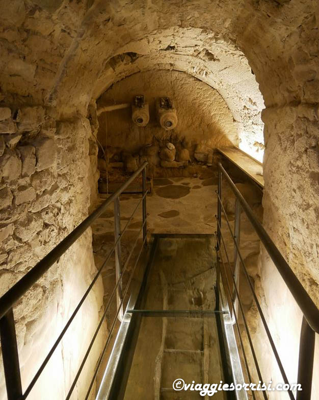 grotta dei formaggi caprese michelangelo