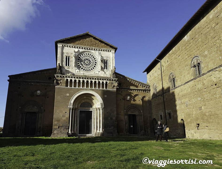 tuscania chiesa