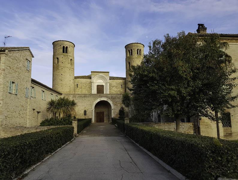 abbazia di san claudio corridonia