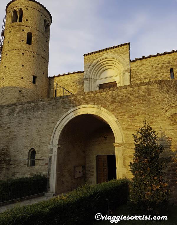 abbazia di san claudio esterno