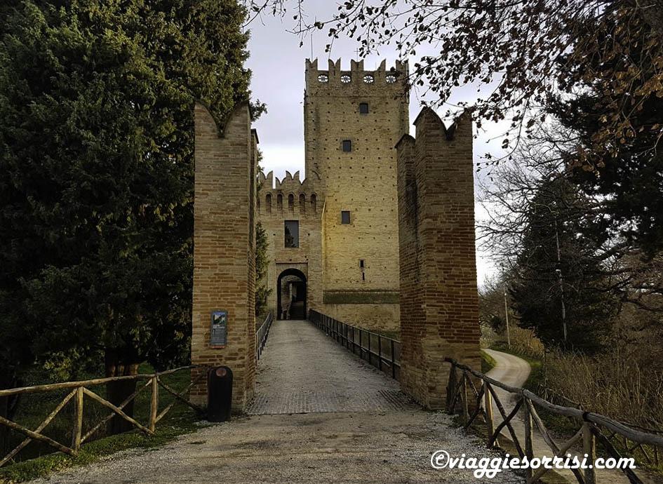 ingresso castello della rancia