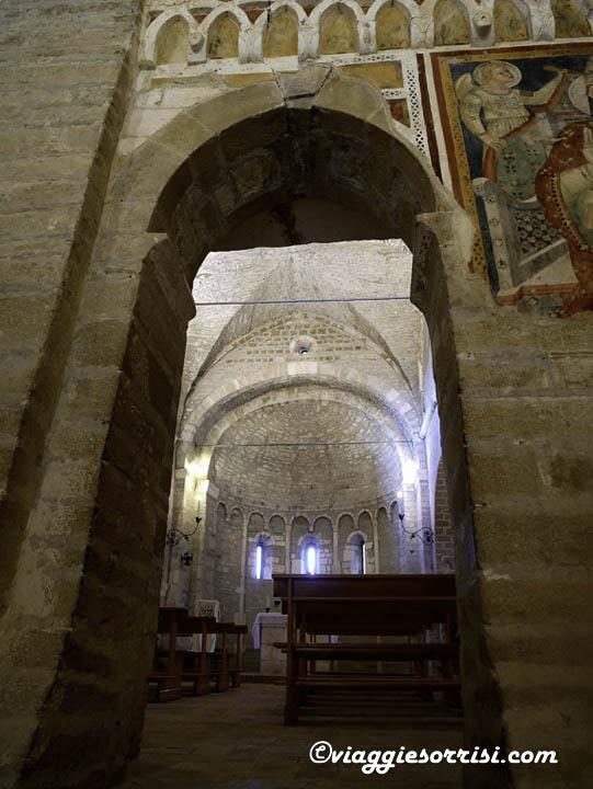 abbazia sant'urbano apiro porta