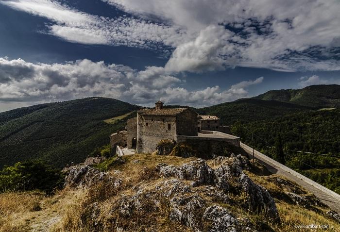 Elcito chiamato anche il tibet delle Marche o il paese del vento